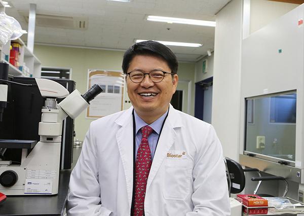 라정찬 네이처셀 대표이사 겸 바이오스타 줄기세포기술연구원장